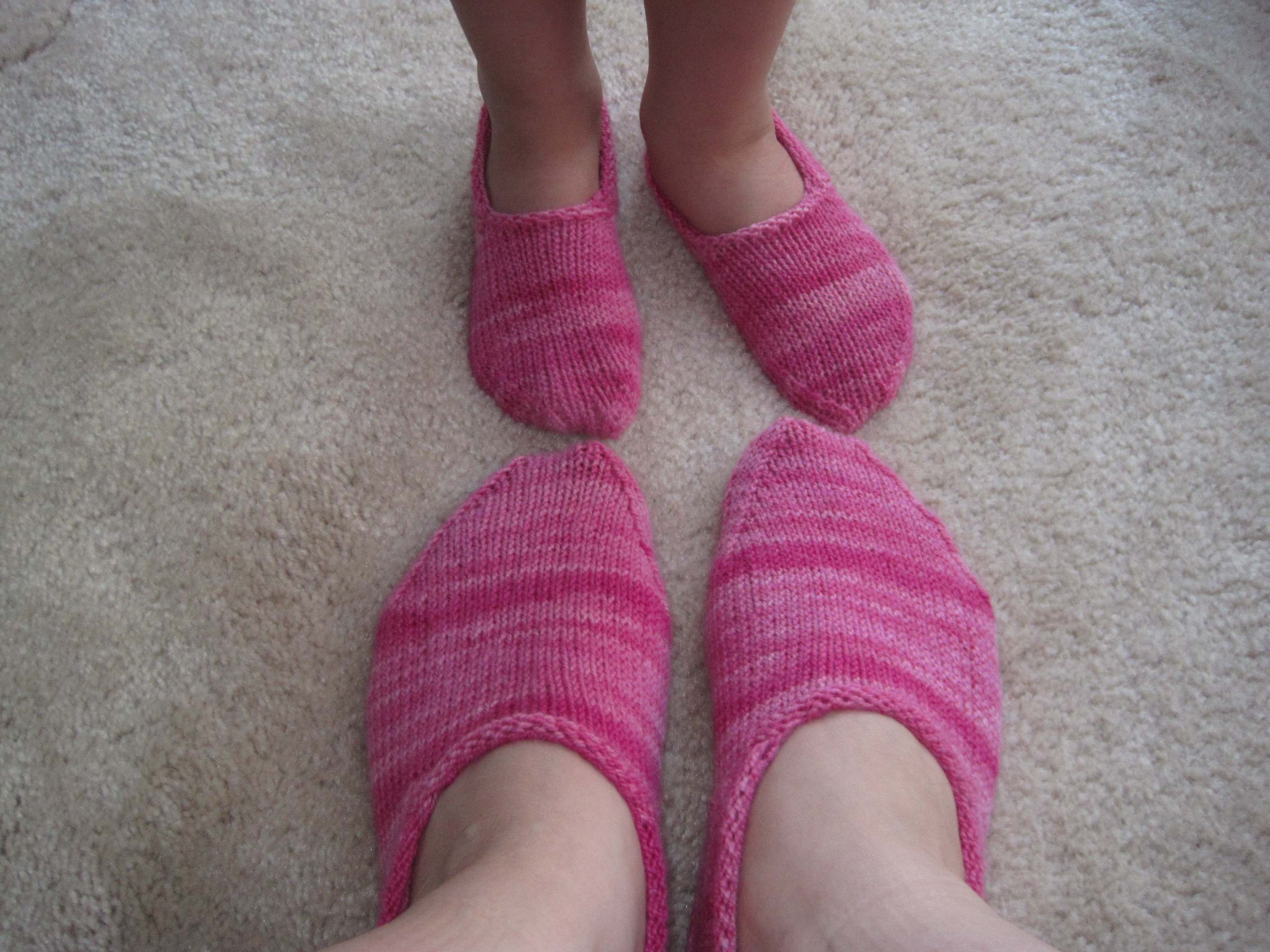 Childrens Bed Socks Knitting Pattern: Downsizer for a sustainable ...